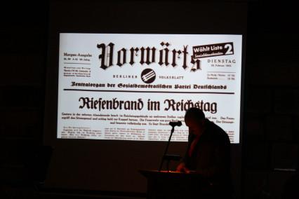 """Ausstellung """"Diktatur und Demokratie im Zeitalter der Extreme"""" in Gemünden"""