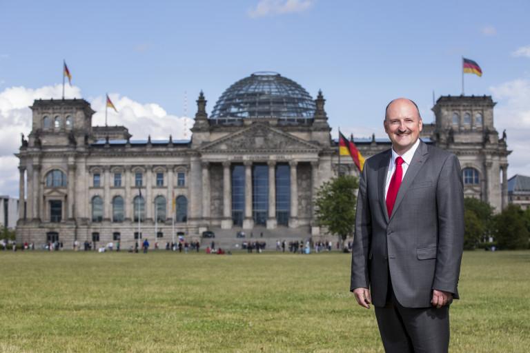 Bernd vor Reichstag